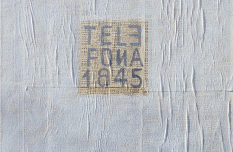 Materiali: acrilico, collage, foglio elenco telefonico su tela.  <em>dimensioni 38x46 </em>